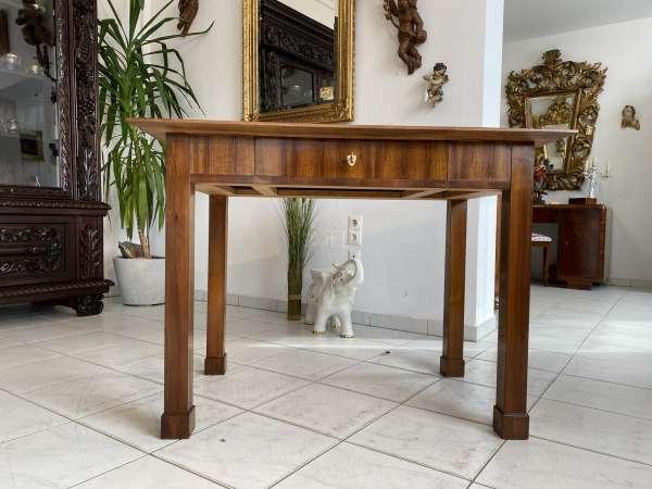 originaler Spätbiedermeier Tisch Stempeltisch Nussholz A2596