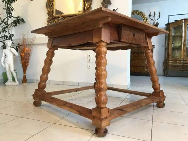 alter uriger Bauerntisch Zirbenholz Tisch Bauernstube W3097