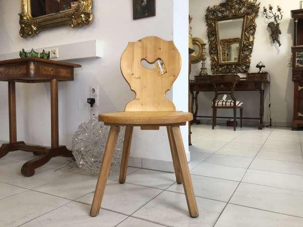 hübscher Bauernsessel Stuhl Landhaussessel Bauernstube E1031
