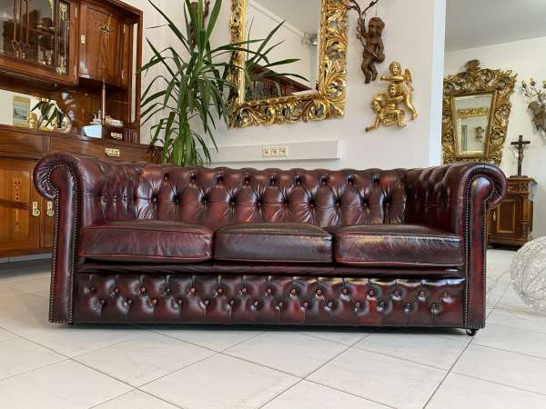traumhaftes Chesterfield 3er Clubsofa Diwan Couch Oxblood E2258