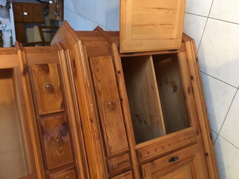 bäuerliches küchenbuffet küchenschrank vitrine