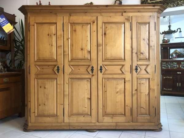 bäuerlicher 4 türiger Garderobenschrank Naturholz Fichtenholz Kleiderkasten Z2185