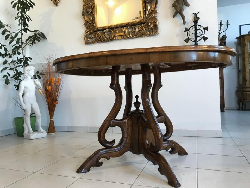 ovaler sp tbiedermeier tisch beistelltisch nussholz furniert w3205 antike tische truhen. Black Bedroom Furniture Sets. Home Design Ideas