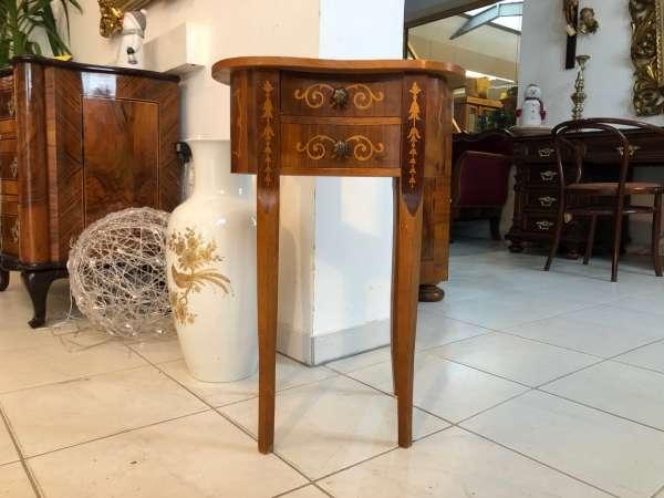 hübsches Tischerl im Stile des Barock Z1080