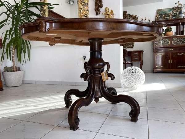 barocker geschweifter Tisch Beistelltisch Nussholz Furniert E1845