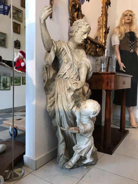 barocke gefaßte Engelszene Barockfigur Engel mit Jüngling W3518