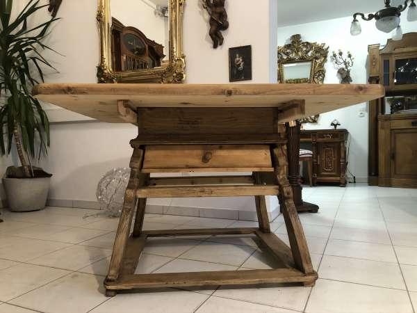 alter Bauerntisch Jogltisch Tisch Landhaustisch Naturholz Z2161