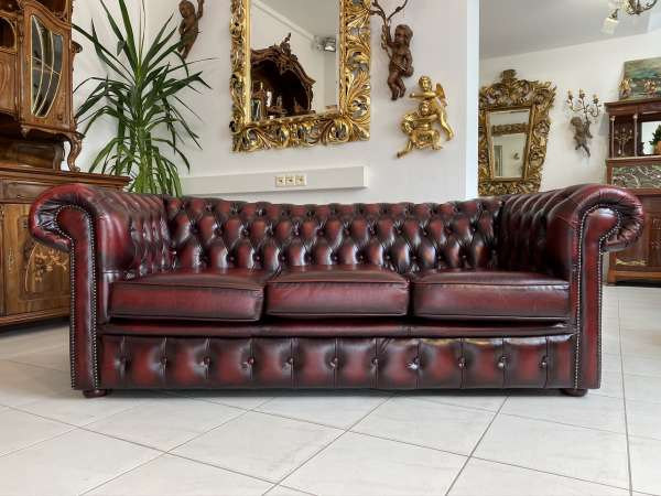 traumhaftes Chesterfield 3er Clubsofa Diwan Couch Oxblood E1806