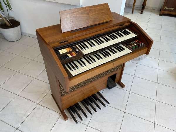 funktionstüchtige Heimorgel Orgel der Firma Galanti E1580