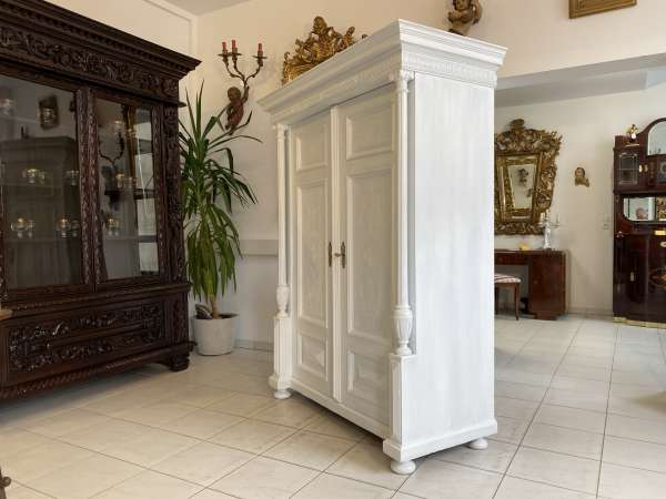originaler Gründerzeit Garderobenschrank Säulenschrank A2513