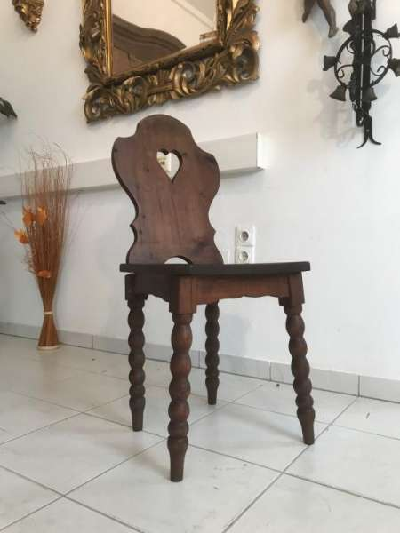uriger alter Bauernsessel Sessel Stuhl Herzerlsessel W3315
