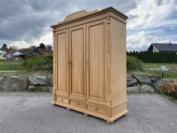 bäuerlicher Garderobenschrank Naturholz Fichtenholz Kleiderkasten A2564