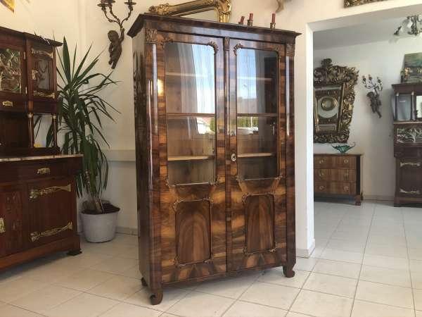 restaurierte Spätbiedermeier Vitrine Bücherschrank Glasschrank E1284