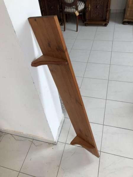 einfaches altes Regal Stellage Tellerboard Tellerboard Holz X1590
