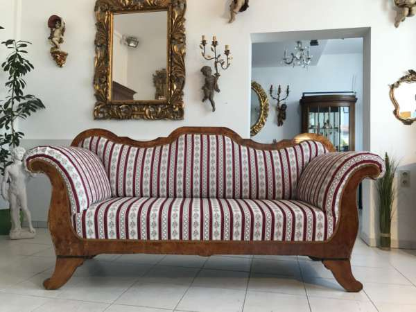 traumhaftes restauriertes Biedermeier Sofa Nussholz W2202
