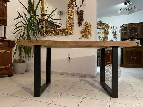 massiver Schreibtisch mit Eichenplatte Designertisch Tisch E2316