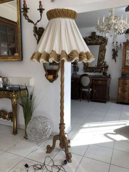 bäuerliche Holzleuchte Stehleuchte Wohnzimmerlampe X1897