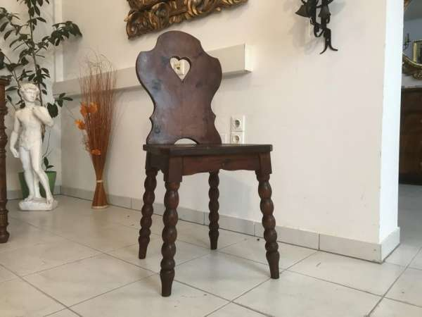 uriger alter Bauernsessel Sessel Stuhl Herzerlsessel W3313