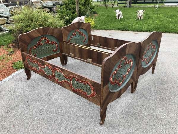 bäuerliches Schlafzimmer Doppelbett Bett Bauernmöbel bemalt Z1584