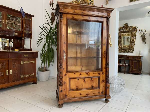hübsche Zirbenholz Vitrine Glasschrank Bücherschrank E2018