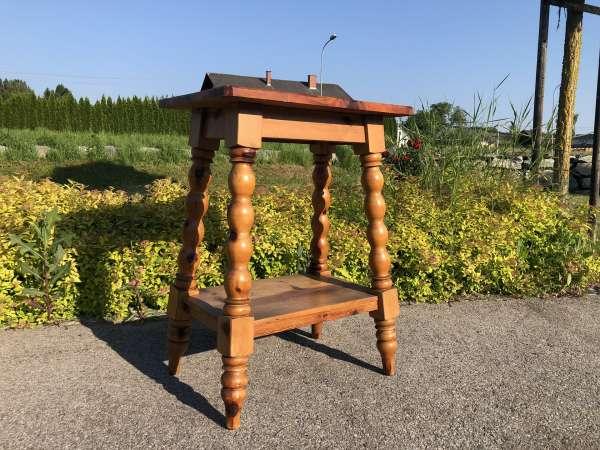 hübscher einfacher Blumetisch Beistelltisch Zirbenholz Z1661