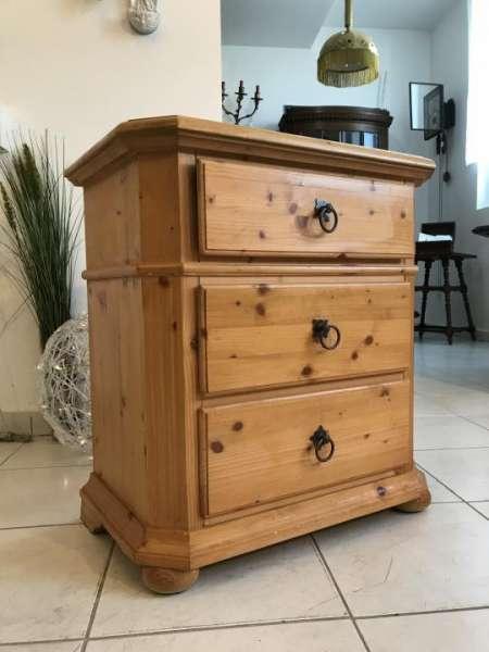zierliche bäuerliche Anrichte Fichtenholz 3 Ladenkommode Naturholz W1635