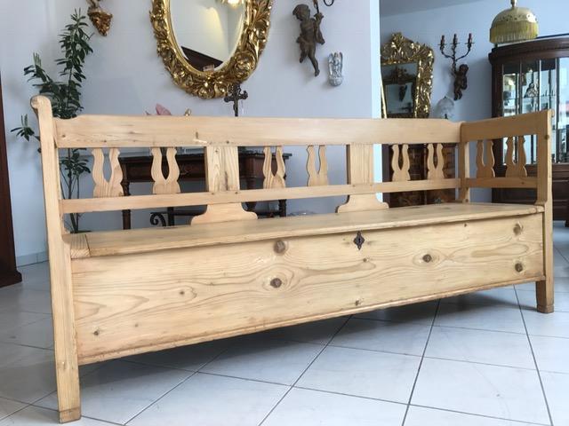 antike sitztruhe k chenbank sitzbank landhausstil. Black Bedroom Furniture Sets. Home Design Ideas