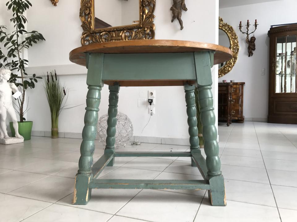 Runder Provinzieller Tisch Bauerntisch Bauernmöbel Beistelltisch